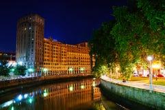 毕尔巴鄂,西班牙市街市与Nevion河 免版税库存照片
