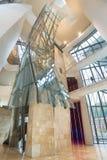 毕尔巴鄂,西班牙- 10月16 :古根海姆美术馆内部10月的 库存图片