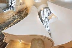 毕尔巴鄂,西班牙- 10月16 :古根海姆美术馆内部10月的 库存照片