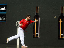 毕尔巴鄂,西班牙- 4月9 :比赛的帕布鲁Berasaluze早先对对手球冠军赛,庆祝4月9日, 免版税库存图片