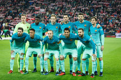 毕尔巴鄂,西班牙- 1月05 :巴塞罗那球员为在八决赛西班牙杯比赛的新闻摆在的毕尔巴鄂竞技队之间 免版税库存照片