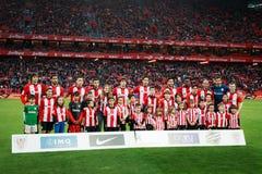 毕尔巴鄂,西班牙- ARPIL 10 :运动俱乐部de毕尔巴鄂为在比赛的新闻摆在毕尔巴鄂竞技队和巴列卡诺足球俱乐部, cel之间 库存照片