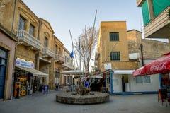 毗邻在尼科西亚之间,塞浦路斯的北和南部的部分的护照管制检查站 免版税库存图片