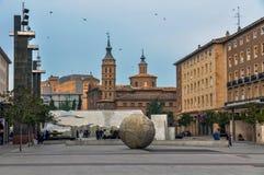 毛发的正方形,萨瓦格萨Plaza del Pilar de萨瓦格萨 图库摄影