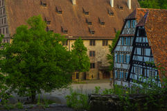 毛尔布龙,德国- MAI 17日2015年:行托特修道院的样式房子是联合国科教文组织世界遗产名录站点的一部分 库存图片