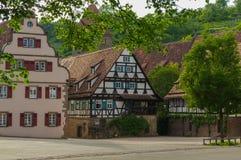 毛尔布龙,德国- MAI 17日2015年:行托特修道院的样式房子是联合国科教文组织世界遗产名录站点的一部分 免版税库存图片