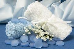 毛巾和蓝宝石 免版税库存照片