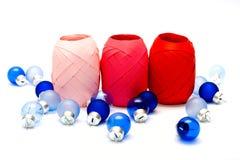 毛皮红色丝带玩具结构树 图库摄影