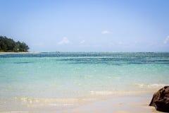 毛里求斯、美丽的海滩、极限运动和完善的天空 免版税图库摄影
