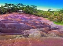 毛里求斯-七个颜色地球的最著名的旅游地方反对蓝天的 免版税库存图片