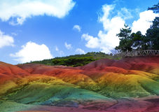 毛里求斯Chamarel-七的主要视域在一个晴天上色土地 免版税库存照片