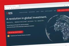 民主化对财富的通入的巧妙的勇气平台通过tokenized投资网站 图库摄影