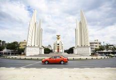 民主纪念碑在泰国 免版税库存照片