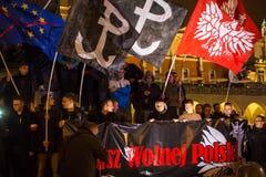 民族主义者抗议在克拉科夫的中心 大约3 000个人在自由波兰的3月参与了 免版税库存图片