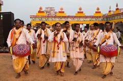 民间印地安人执行的歌唱家 库存照片