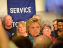 民主党希拉里・克林顿与机械师谈话在联合霍尔 库存图片