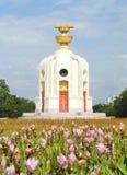 民主纪念碑是一座公开纪念碑在曼谷,泰国的中心 免版税图库摄影