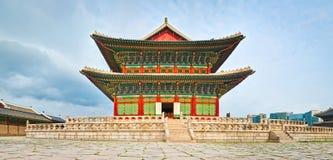 民间gyeongbokgung韩国博物馆国民宫殿 30更改的卫兵7月韩国国王好朋友s汉城南部 全景 免版税库存图片
