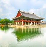 民间gyeongbokgung韩国博物馆国民宫殿 30更改的卫兵7月韩国国王好朋友s汉城南部 免版税库存照片