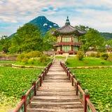 民间gyeongbokgung韩国博物馆国民宫殿 30更改的卫兵7月韩国国王好朋友s汉城南部 库存照片