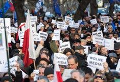 民主KOD的防御的委员会的示范自由媒介/wolne媒介的 库存图片