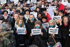 民主KOD的防御的委员会的示范自由媒介/wolne媒介的 免版税库存图片