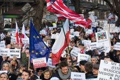 民主KOD的防御的委员会的示范自由媒介/wolne媒介的 免版税库存照片