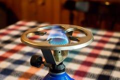 气体燃烧在煤气炉燃烧器  免版税库存照片