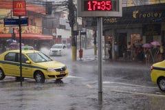 气候:夏天雨在里约热内卢 图库摄影