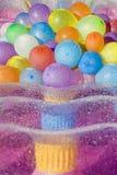 气球上色了被装载的水 免版税库存图片