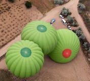 气球为离地升空做准备 库存图片