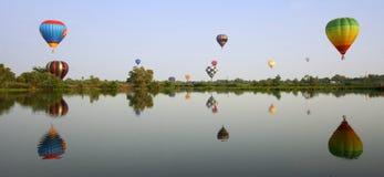 气球五颜六色热 库存照片