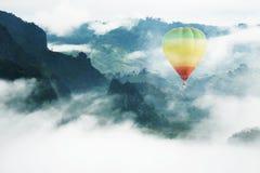 气球在天堂 免版税库存照片