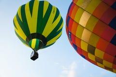 气球浮动的天空 免版税库存图片