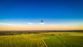 气球蓝色热天空 免版税图库摄影