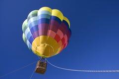 气球蓝色热天空 免版税库存照片