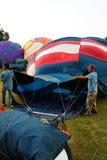 气球装载热人 免版税库存图片