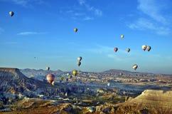 气球飞行热photgrphed显示VA的bealton马戏 图库摄影