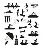 水上运动剪影 免版税库存图片