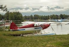 水上飞机在安克雷奇机场 免版税库存图片