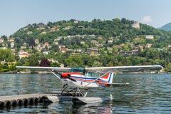 水上飞机赛斯纳172N Skyhawk 100 II 图库摄影