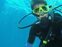 水下潜水员的水肺 免版税库存照片