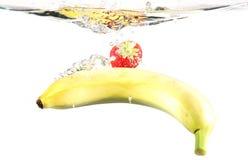 水下的果子 免版税库存照片