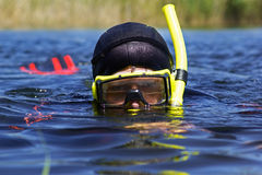 水下的潜水员 免版税图库摄影