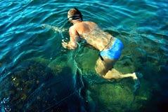 水下的章鱼俘获器 库存照片