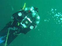 水下的videographer 图库摄影