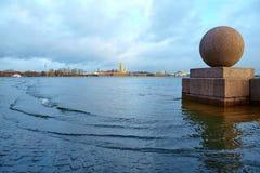 水位高在圣彼德堡,俄罗斯 免版税图库摄影