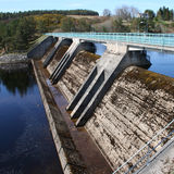 水力发电的水坝 库存照片