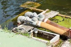 水力管、配件和杠杆在举的机制控制板  免版税库存图片