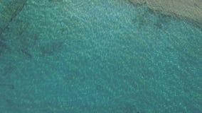 水反射鸟瞰图在海的 股票视频